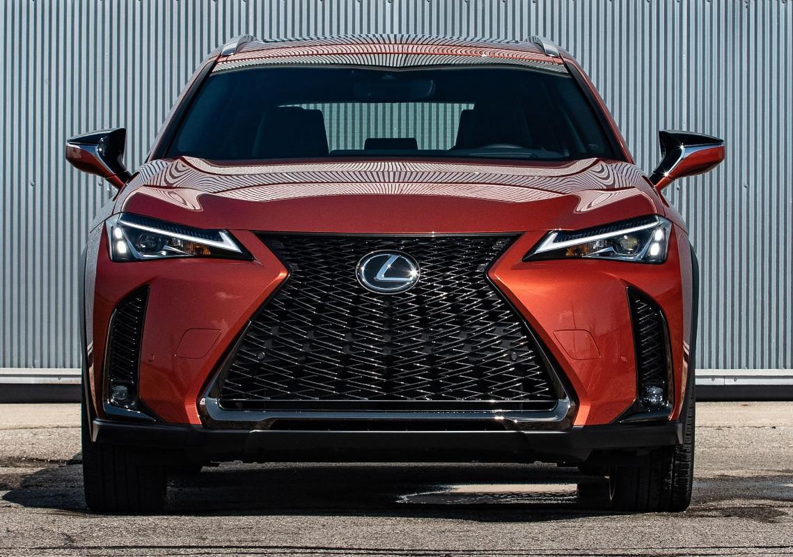 2019-Lexus-UX-front